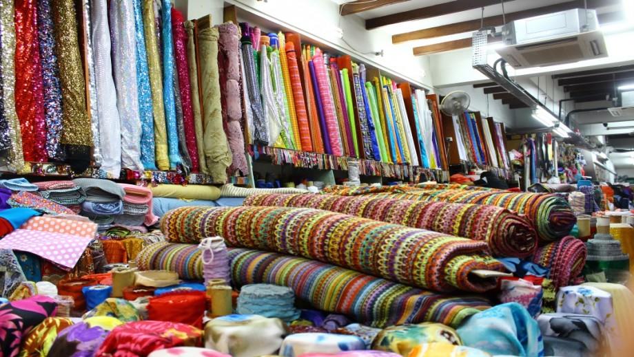 4639221126 Rodzaje dostępnych materiałów w hurtowni tkanin
